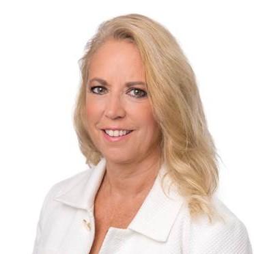 Susan Schulze Headshot